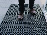 Коврик резиновый грязезащ. со сквозн.отверстиями (400х600 мм) толщ.12мм РТИ